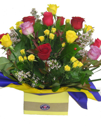 Large Boxed Arrangement of Mixed Coloured Roses